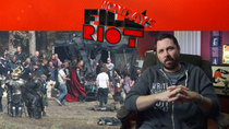 Film Riot - Episode 498 - Mondays: Taking Risk Vs. Playing it Safe & On Set Etiquette!