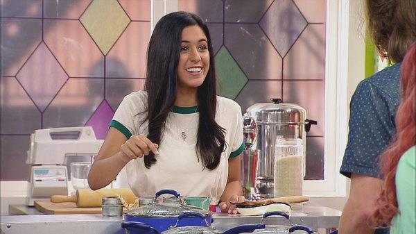 talia in the kitchen season 1 episode 10