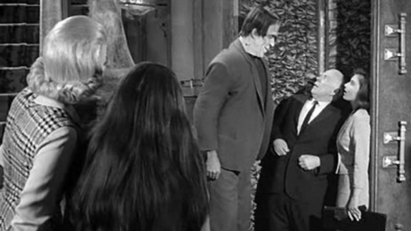The Munsters - S02E32 - A Visit From the Teacher