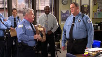 Mike & Molly - Episode 1 - Cops on the Rocks