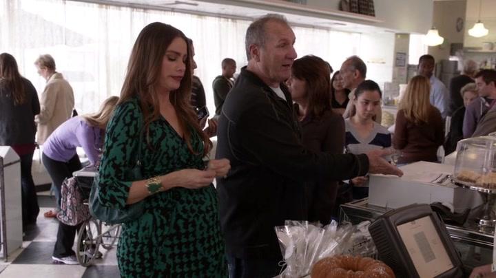 modern family season 4 episode 1 tvshow7