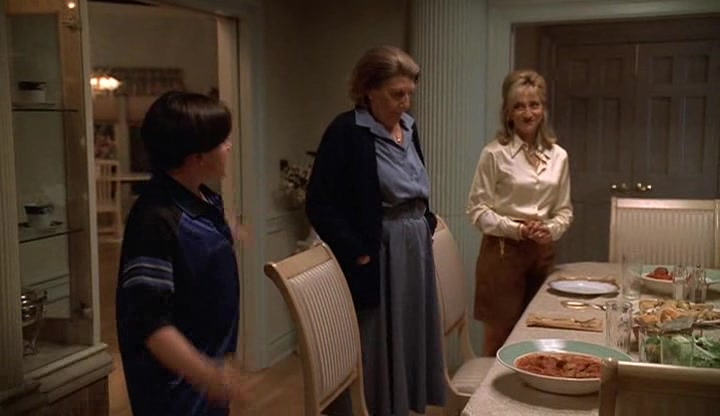 Screencaps of The Sopranos Season 1 Episode 12