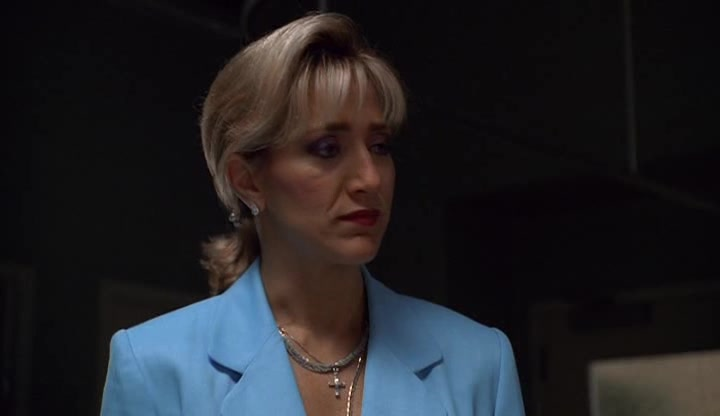 Screencaps of The Sopranos Season 1 Episode 12