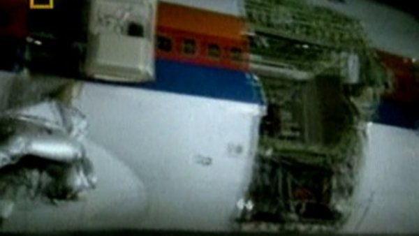 Mayday - S01E01 - Unlocking Disaster (United Airlines, Flight 811)