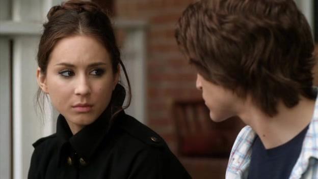 Screencaps of Pretty Little Liars Season 1 Episode 16