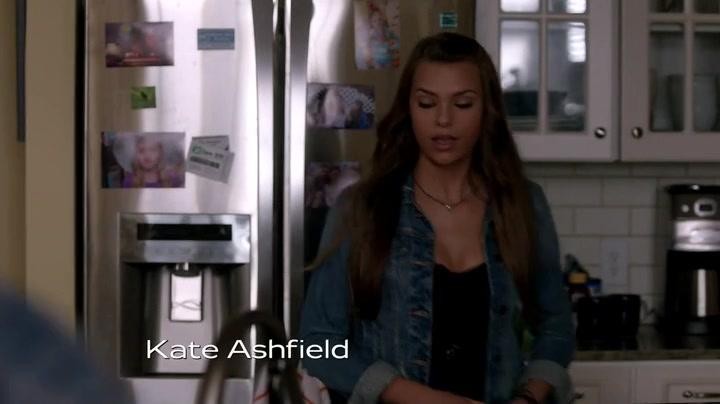 Screencaps of Secrets and Lies Season 1 Episode 3
