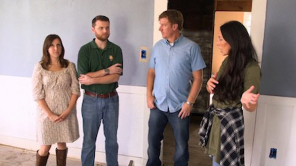 fixer upper season 3 episode 17. Black Bedroom Furniture Sets. Home Design Ideas