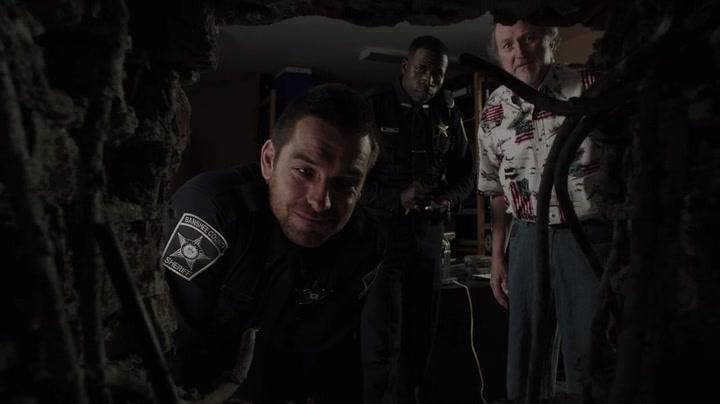 Screencaps of Banshee Season 1 Episode 1