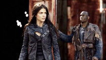 The 100 - Episode 13 - Join or Die