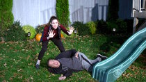 Kevin Can Wait - Episode 9 - Hallow-We-Ain't-Home