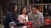 2 Broke Girls - Episode 21 - And The Rock Me On The Dais