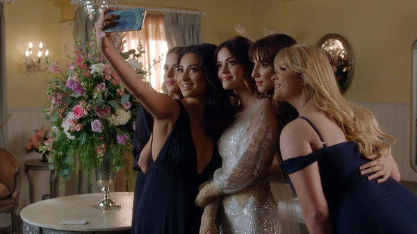 watch pretty little liars season 7 episode 20 online free