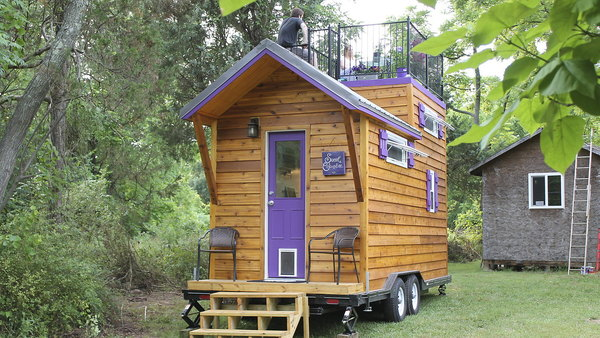 Tiny House, Big Living Season 1 Episode 9 on laid out mobile homes, home improvement mobile homes, hgtv mobile homes, neat mobile homes, for rent mobile homes,