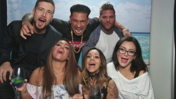 Jersey Shore Family Vacation - S01E01 - What's in the Bag?
