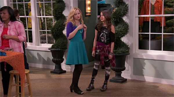 Liv and maddie steal a rooney watch online / Imdb party down