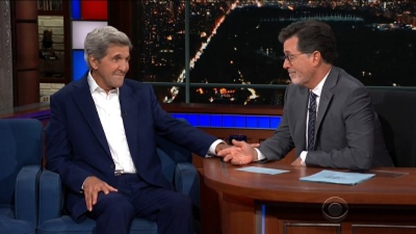 The Late Show with Stephen Colbert - S04E02 - Rob Lowe, John Kerry, Kathleen Madigan