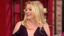 Rachael Ray - Episode 56 - Melissa Joan Hart Dishes on New Christmas Movie + Bread Pudding...
