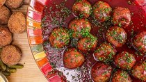 Rachael Ray - Episode 59 - Rach's Turkey & Stuffing Christmas Meatballs + Is There a Gadget...