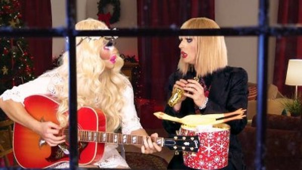 UNHhhh - S01E36 - Happy Holidaze