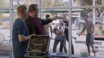 Modern Family - Episode 12 - Blasts from the Past