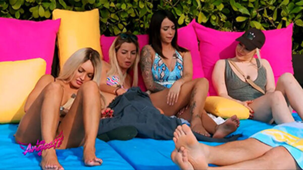 Les Anges (FR) - S11E31 - Back to Miami (4)