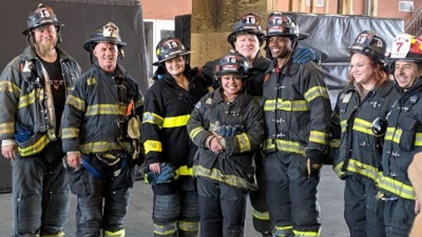 Rachael Ray - S13E139 - Rach & Celeb Friends Take On Denis Leary's FDNY Challenge + Big Surprise For 911 Dispatchers