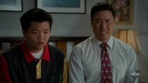 Fresh Off the Boat - Episode 1 - Help Unwanted?