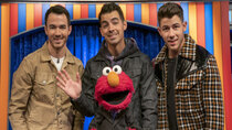 The Not-Too-Late Show with Elmo - Episode 2 - Jonas Brothers