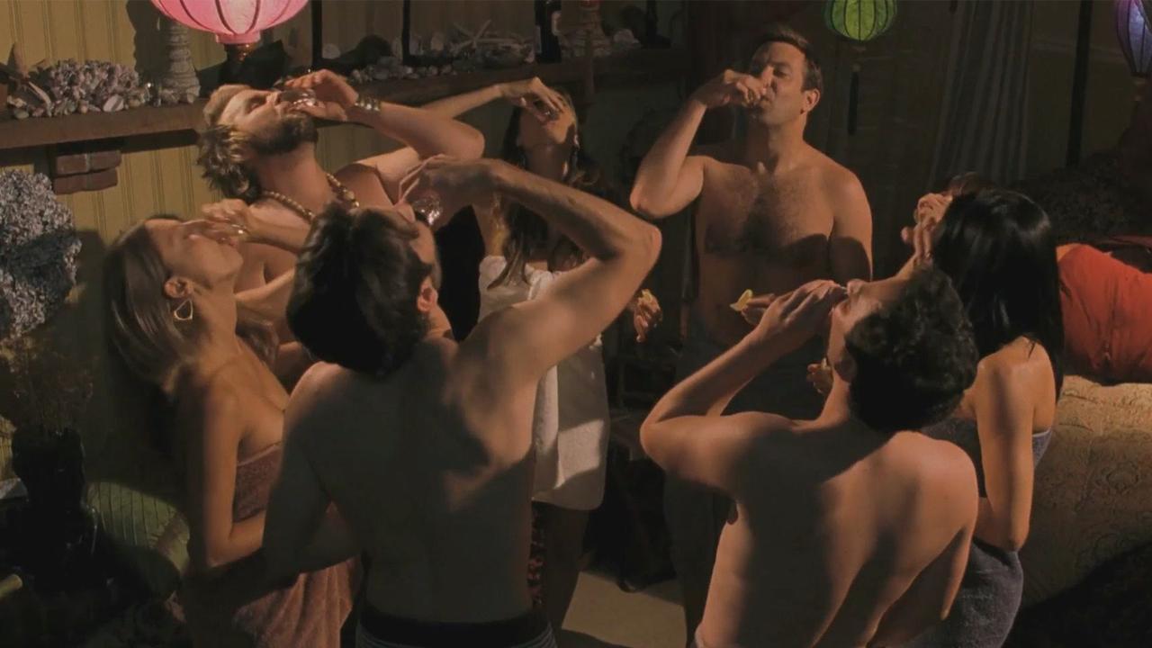 Эротический фильм прогулка, стоячая женская грудь
