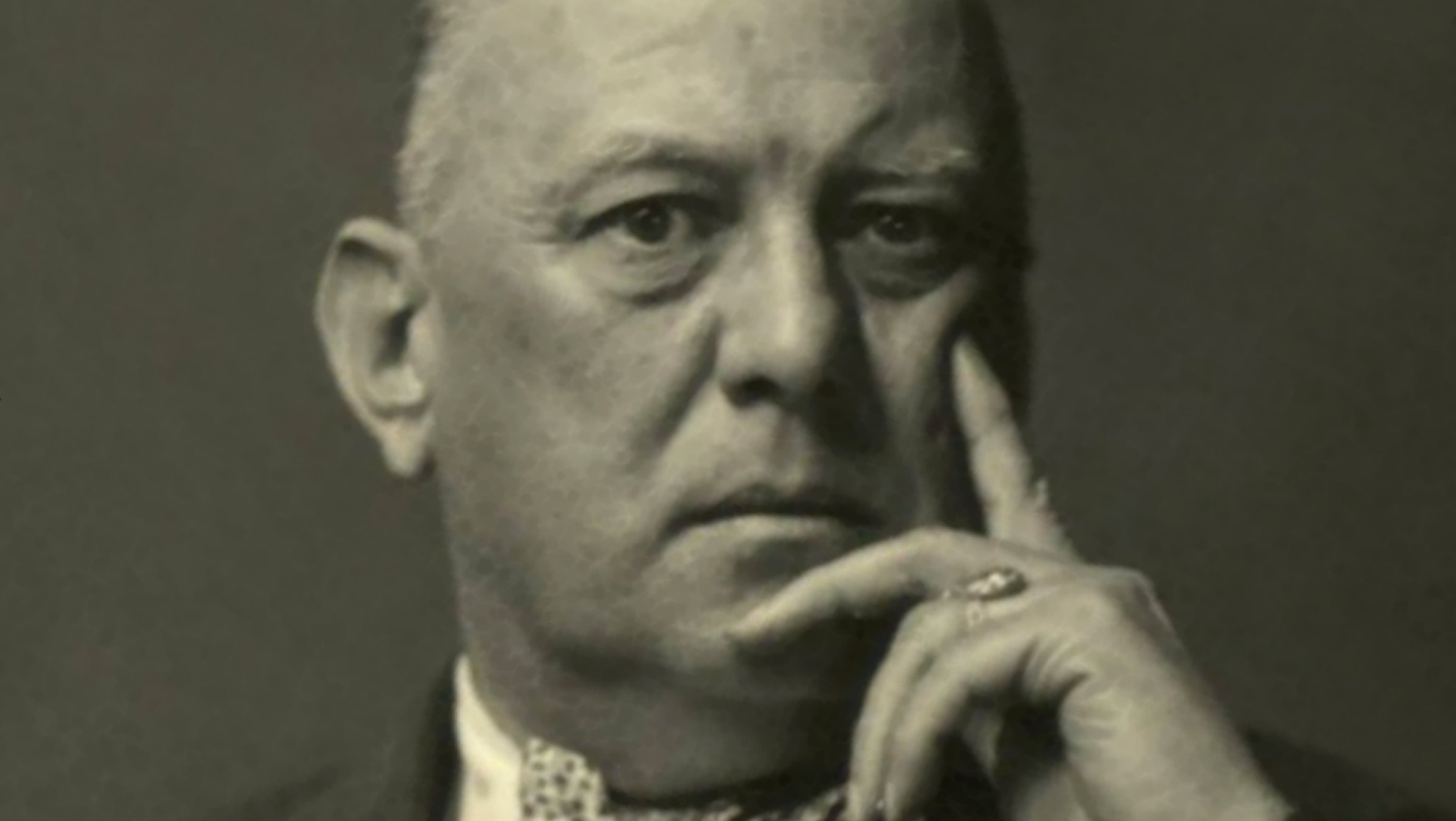 a biography of aleister crowley a writer and a poet and the head of the religion of wicca