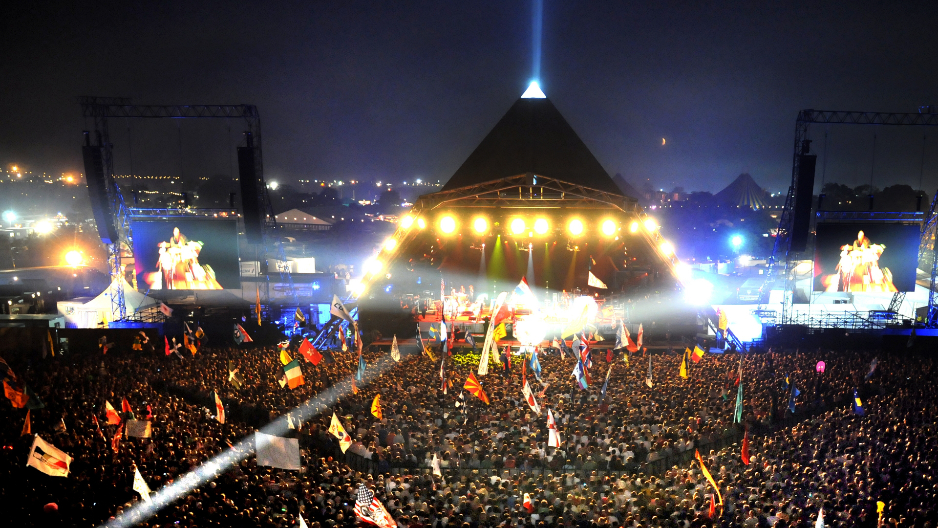 glastonbury from hippy weekend to international festival Glastonbury wins best festival nme award for fifth year running 15 february 2018.