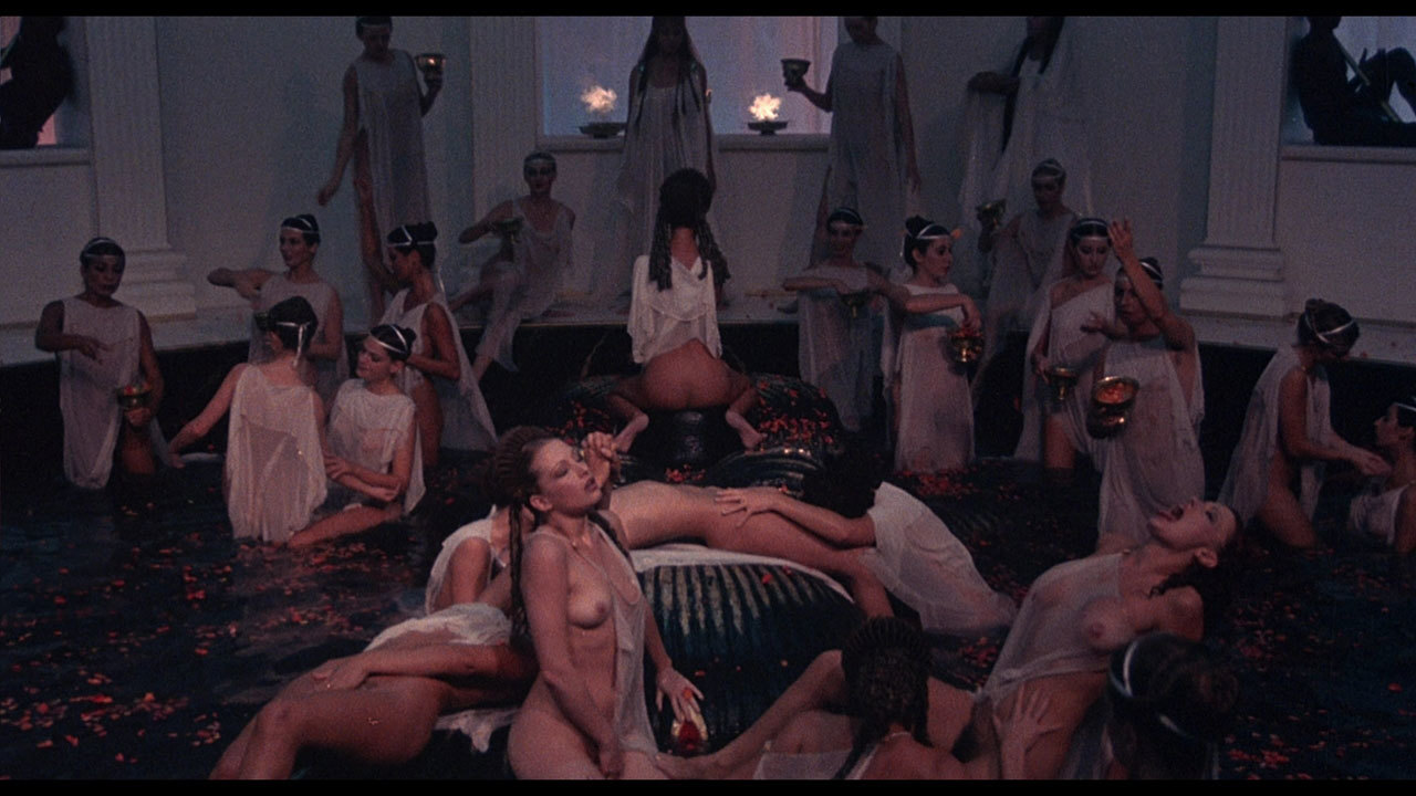 Подборки эротических сцен из фильмов исторического содержания, обконченная целует мужа смотреть онлайн