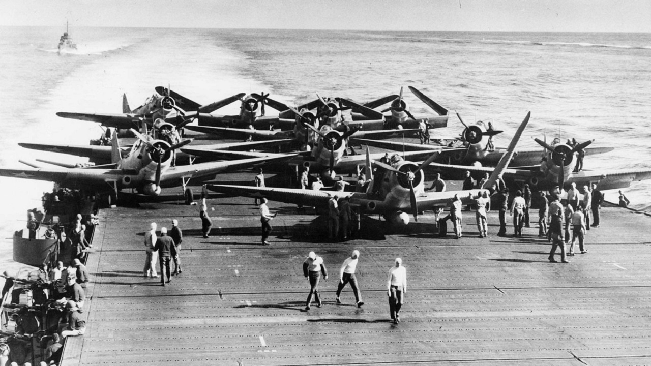 the battle of midway in the pacific Seventy-five years ago, midway atoll, a tiny point midway between the us and japan, was the site of an air-sea battle that changed the course of the war in the pacific.