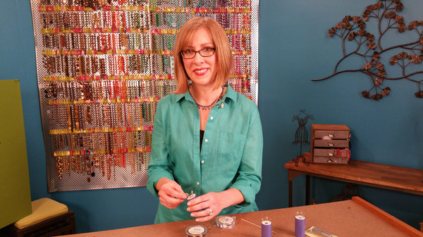 Beads Baubles and Jewels - S01E01