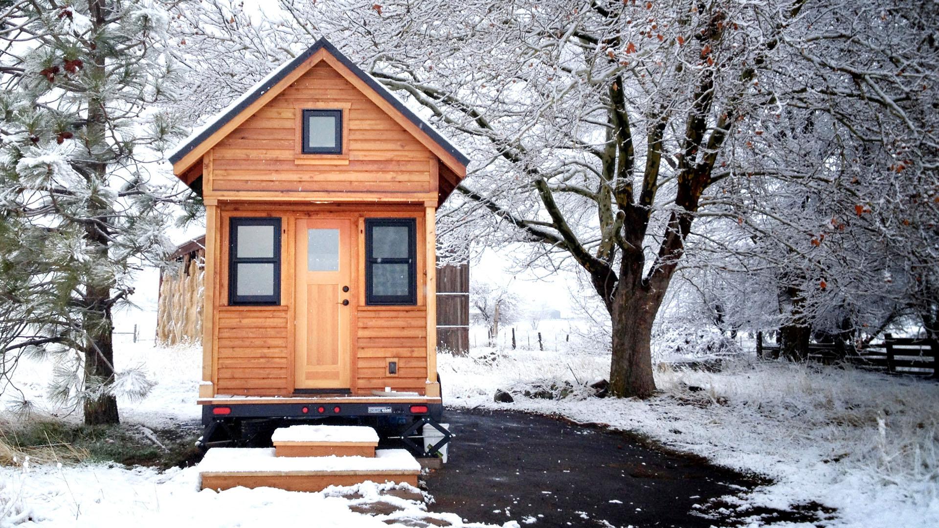 tiny house big living. Black Bedroom Furniture Sets. Home Design Ideas