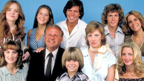 Eight is Enough - S01E01 - Never Try Eating Nectarines Since Juice May Dispense (Pilot)