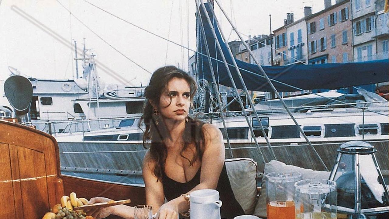 Debora caprioglio graphic movie