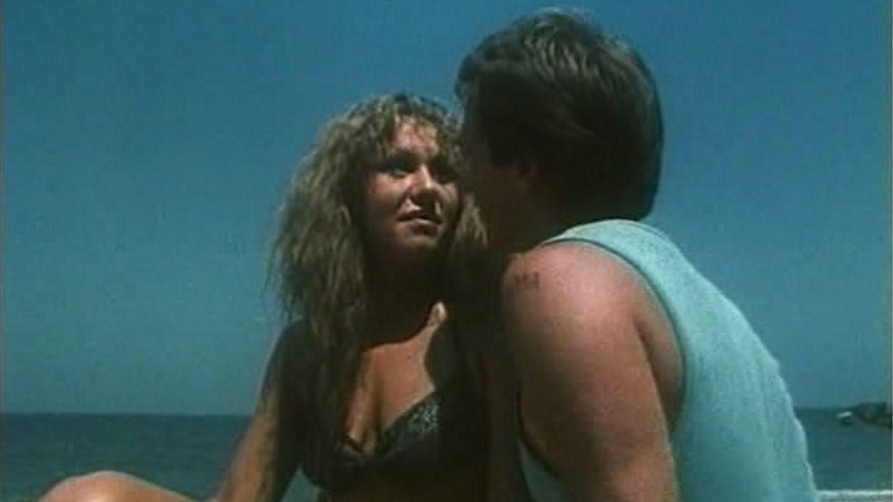 Пляж фильм смотреть дикий эротика