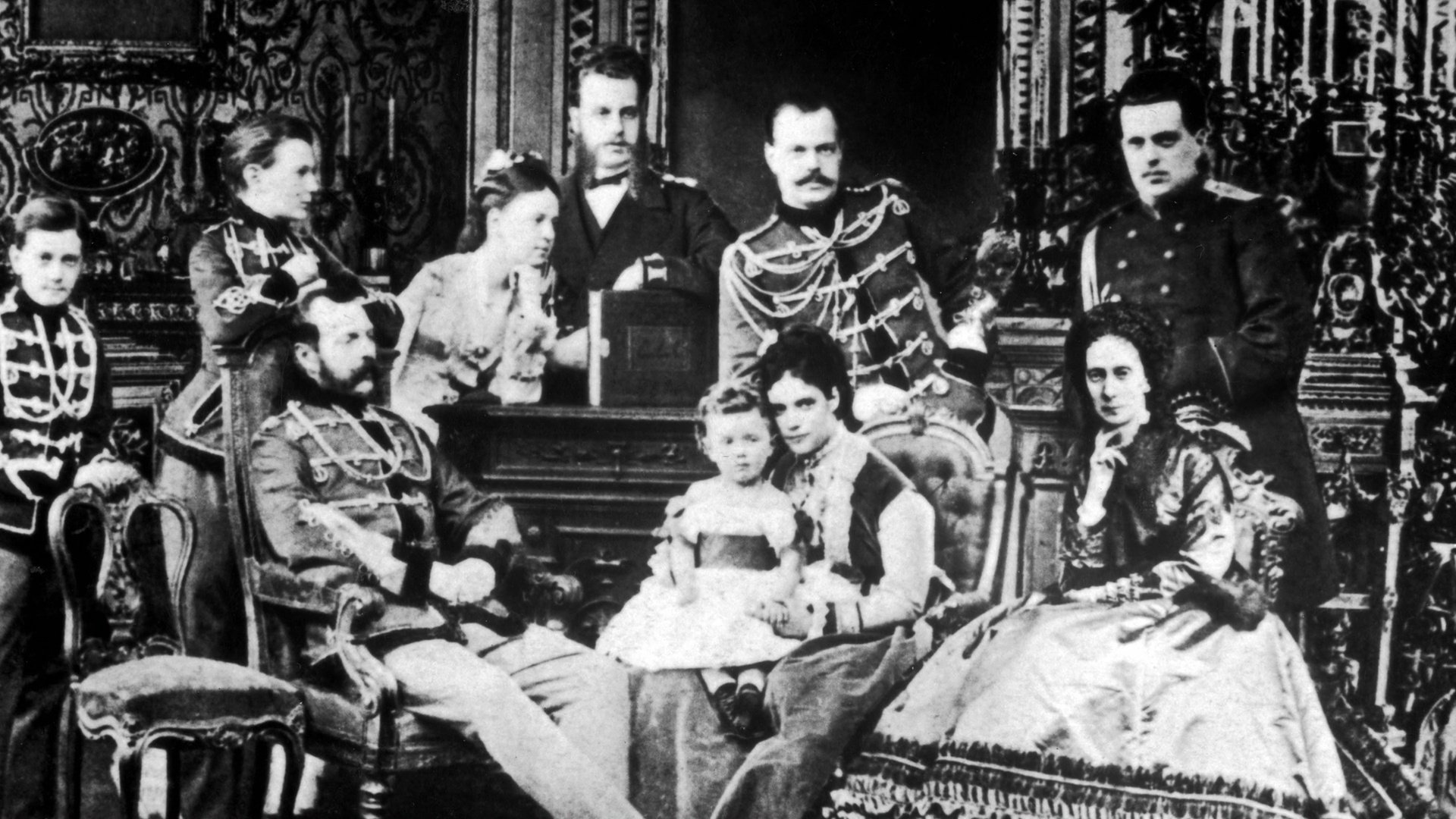 grigori efimiovich and his influence in the downfall of the romanov dynasty To what extent did world war i contribute to the downfall of the and gradually his influence over the for the downfall of the romanov dynasty.