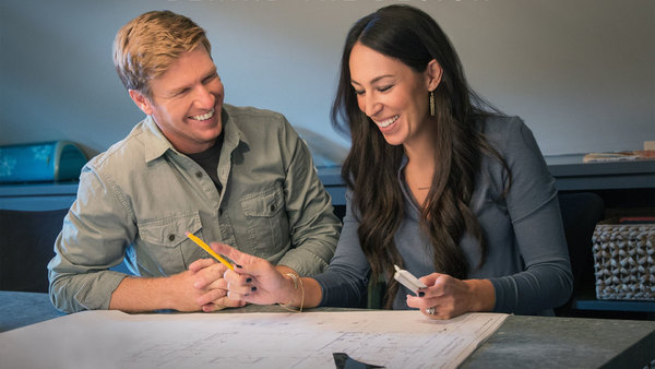 Fixer Upper: Behind the Design  - S02E01 - New Chapter